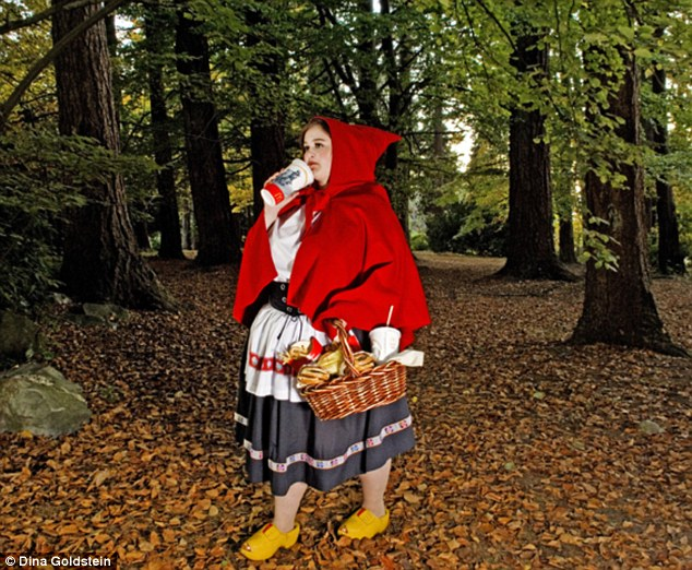 chaperon-rouge-obese-dina-goldstein