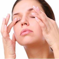 yeux-fatigués-cernes-remede